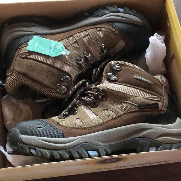 17ca547787d Bear paw hiking boots, waterproof NWT